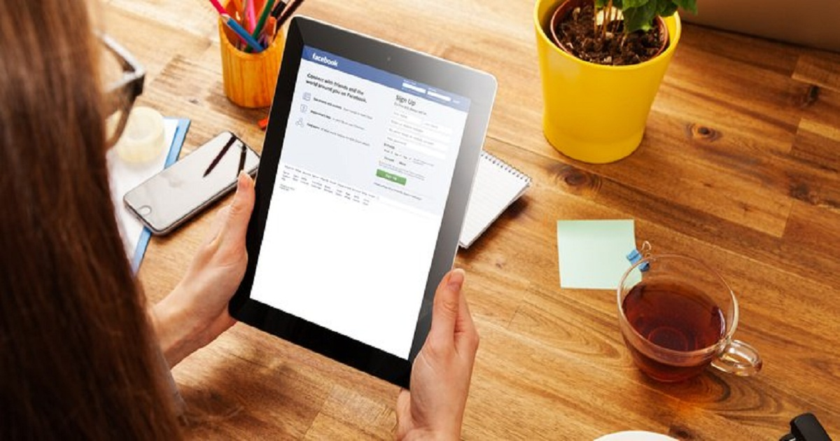 Social media use at work raises productivity but lowers retention