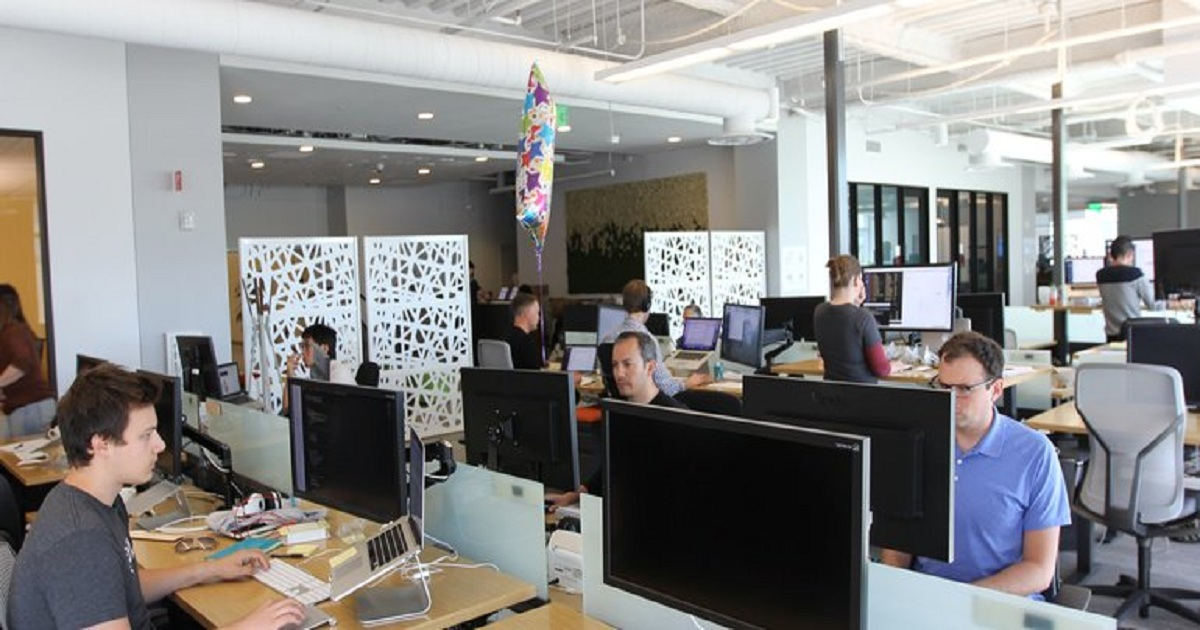 ADP and Slack team up to provide instant messaging access to HR data